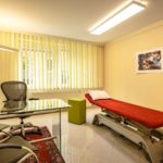 Behandlungsraum - Treatment room